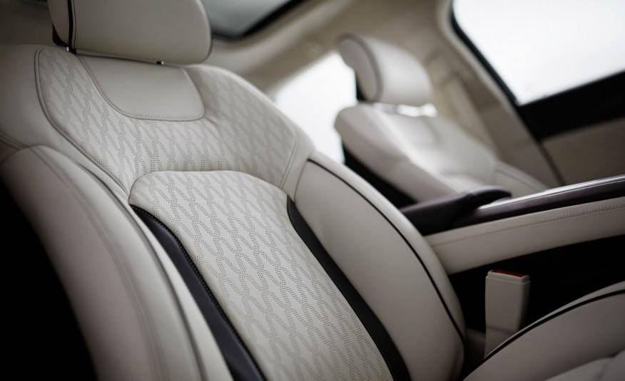 2017-Lincoln-MKZ-1061-876x535.jpg