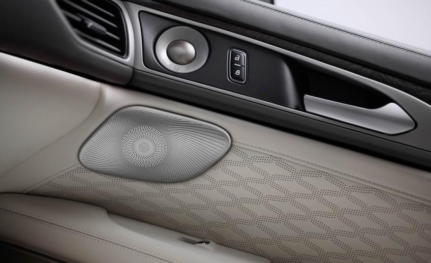 2017-Lincoln-MKZ-1071-876x535.jpg