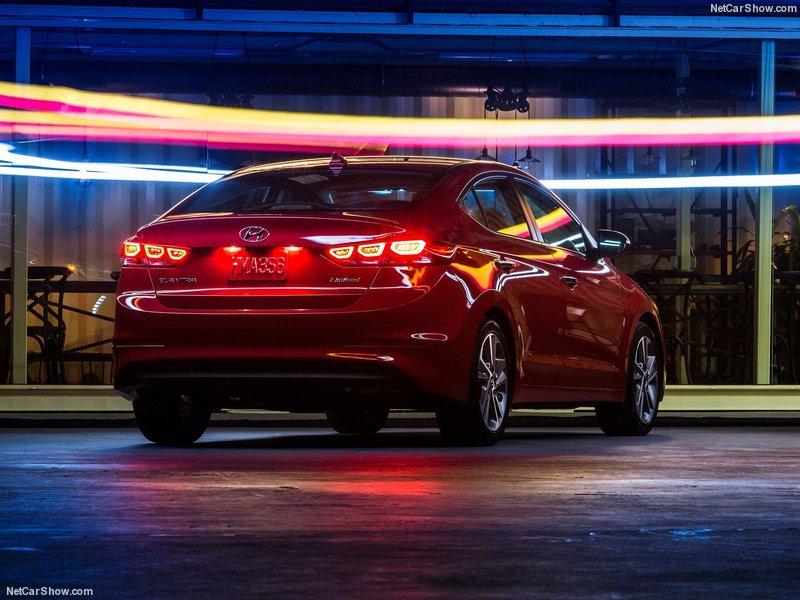 Hyundai-Elantra-2017-800-0c.jpg