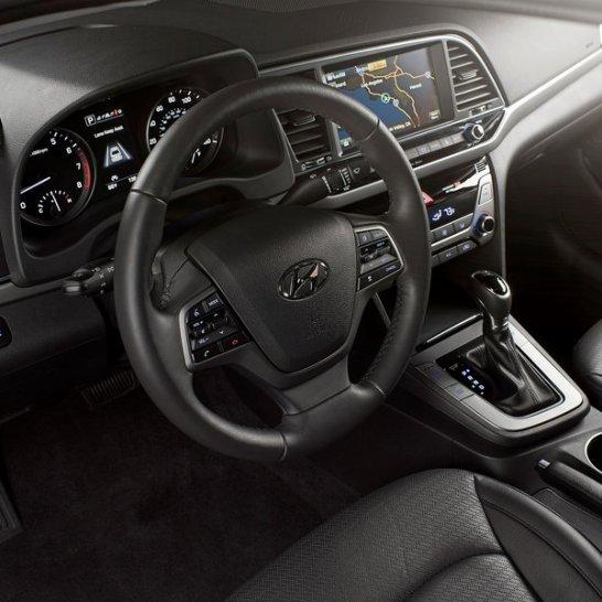 Hyundai-Elantra-2017-800-13