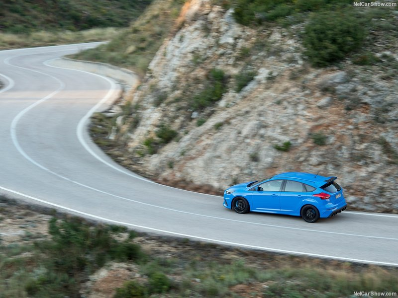 Ford-Focus_RS-2016-800-8a