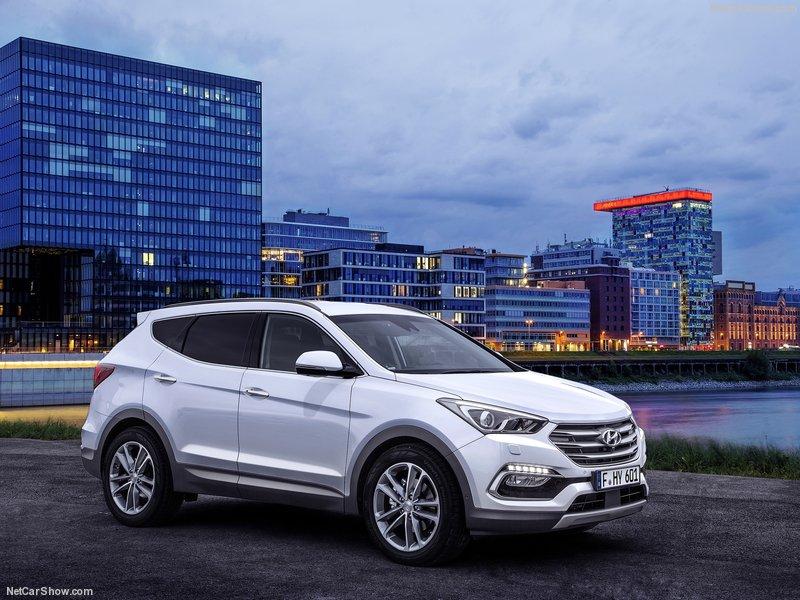 Hyundai-Santa_Fe-2016-800-01