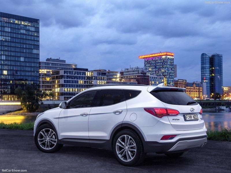 Hyundai-Santa_Fe-2016-800-03