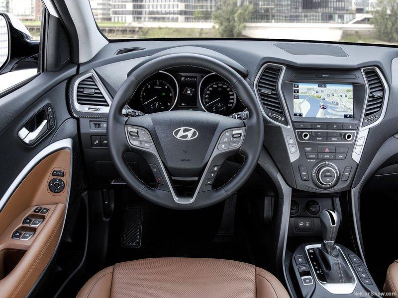Hyundai-Santa_Fe-2016-800-05