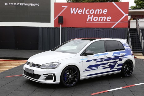 Golf-GTE-Performance-Concept1_large