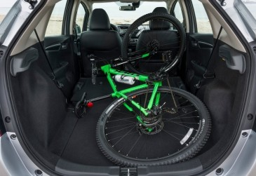 Honda-Fit-2018-800-40