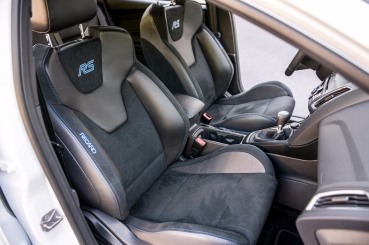 2016-Ford-Focus-RS-seats