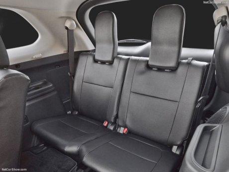 Mitsubishi-Outlander-2016-800-27