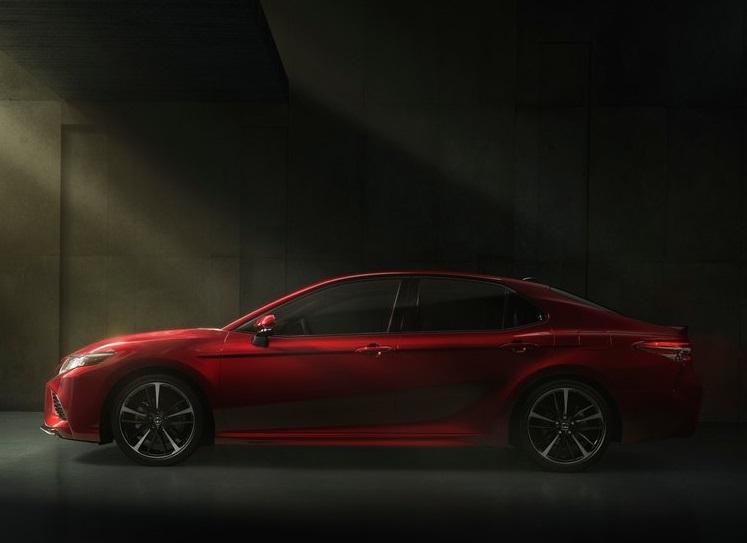 Toyota-Camry-2018-800-29