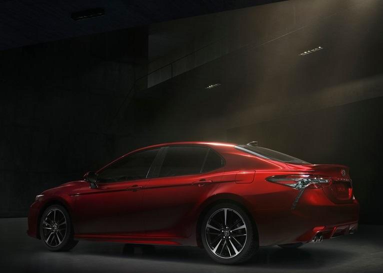 Toyota-Camry-2018-800-41