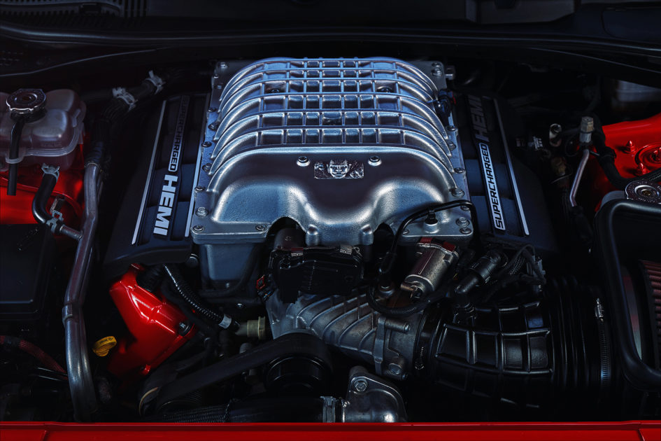 Dodge-Challenger-SRT-Demon-2017-engine-945x630