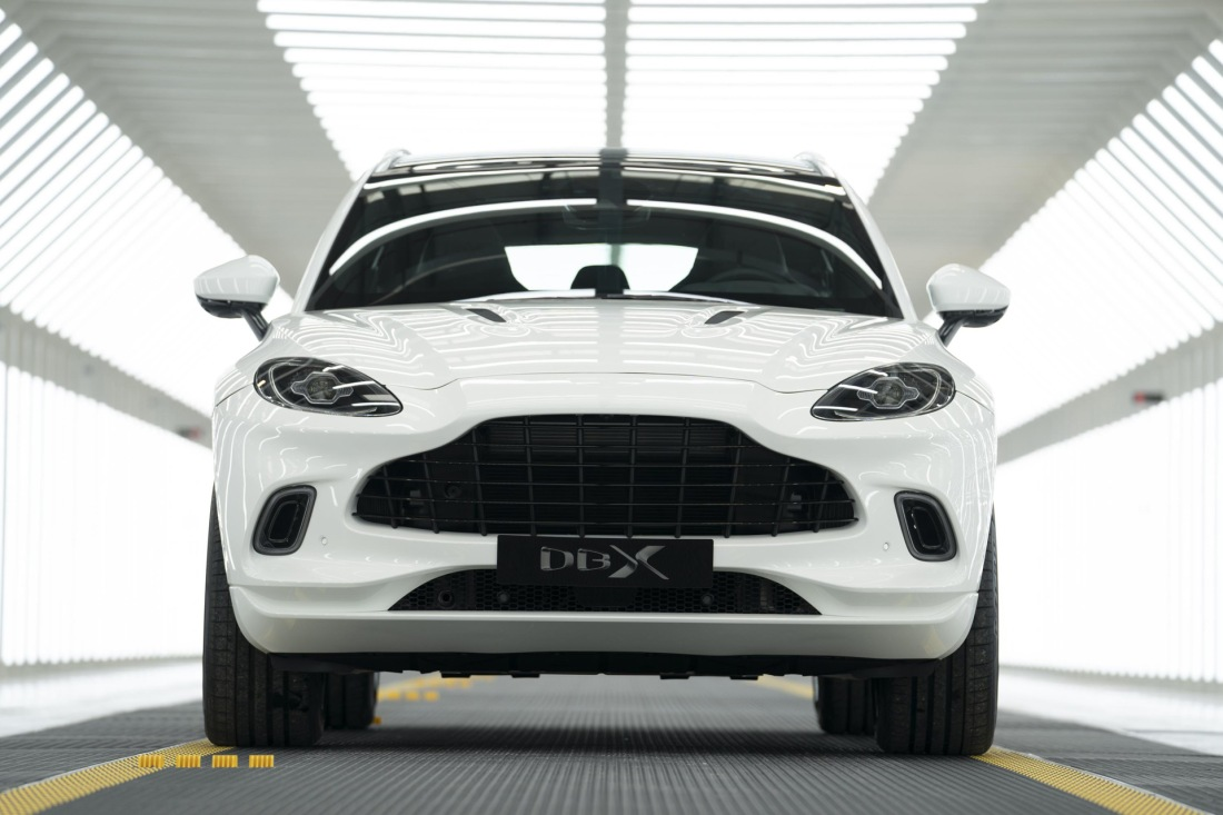 aston-martin-dbx-production-at-plant-in-st-athan-wales_100727801_h