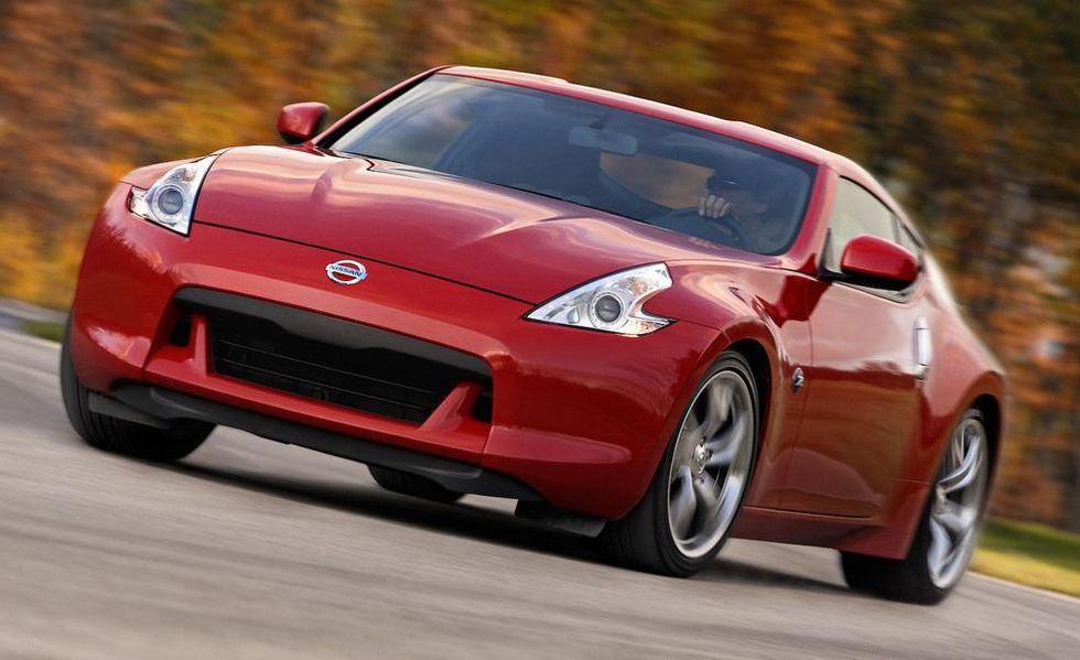 2009-nissan-370z-coupe-