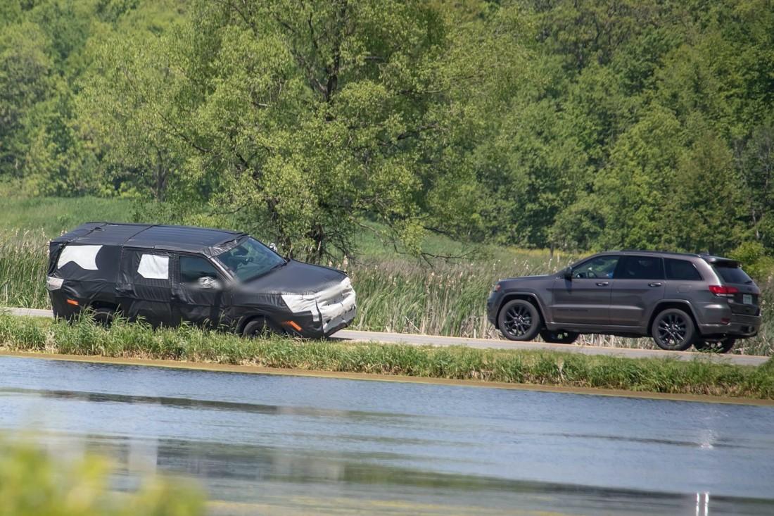 2022-Jeep-Grand-Wagoneer-spy-shots-5
