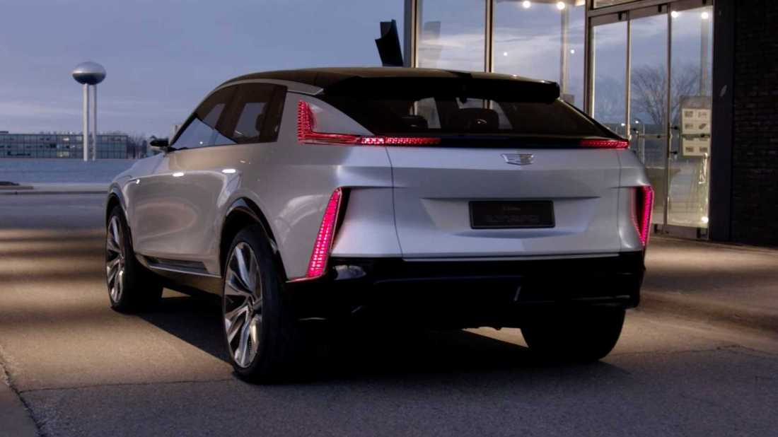 2023-cadillac-lyriq-rear