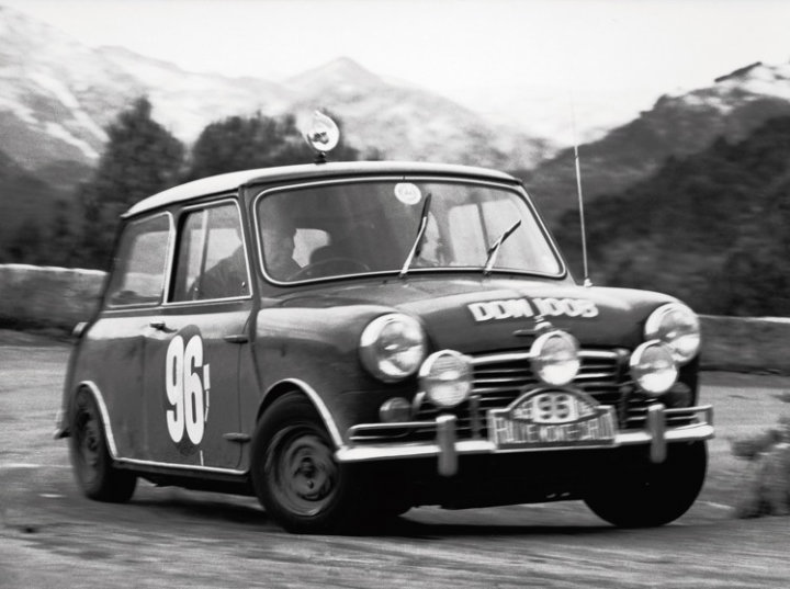 mini-cooper-at-the-1965-rallye-monte-carlo