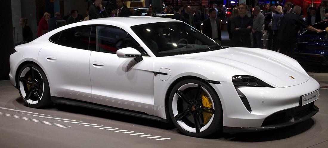 1200px-Porsche_Taycan_at_IAA_2019_IMG_0251