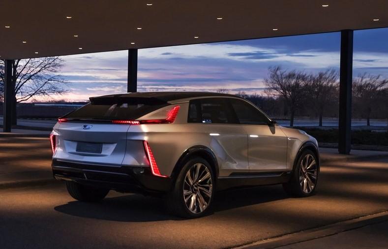 Cadillac-Lyriq_Concept-2020-800-09