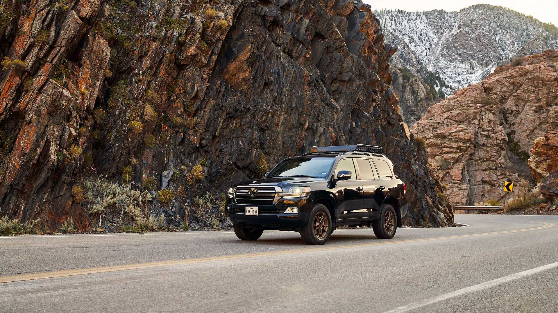 2021-toyota-land-cruiser-front-road