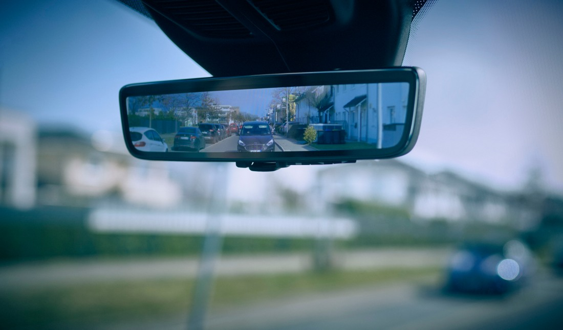 Ford 'Smart Mirror' Ensures Van Drivers Can Clearly See Cycl