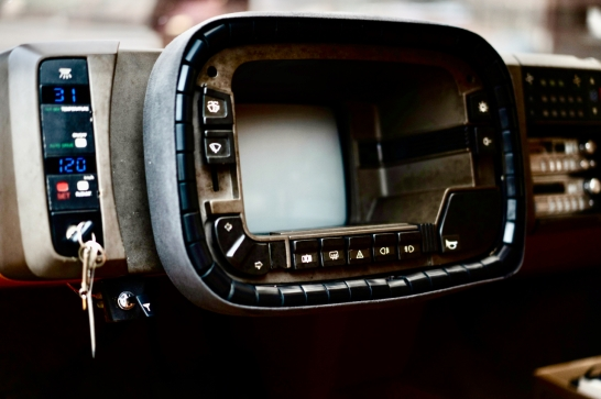 steering-wheel-didnt-turn-but-the-belt-around-it-did-and-was-used-to-steering-the-vehicle_100791776_h