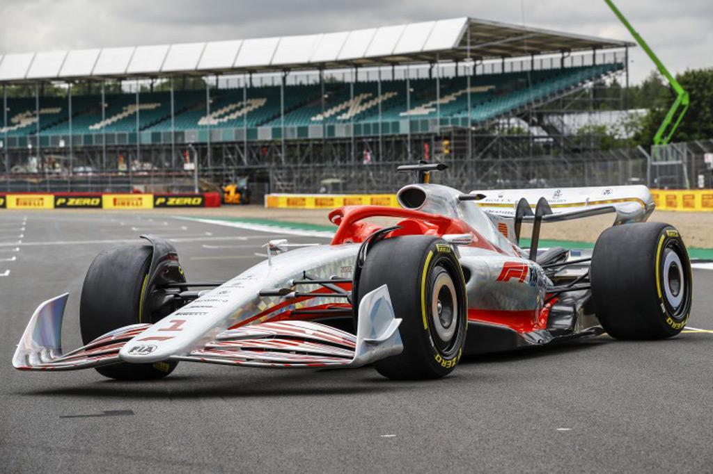 2022-formula-one-race-car-concept_100799621_l