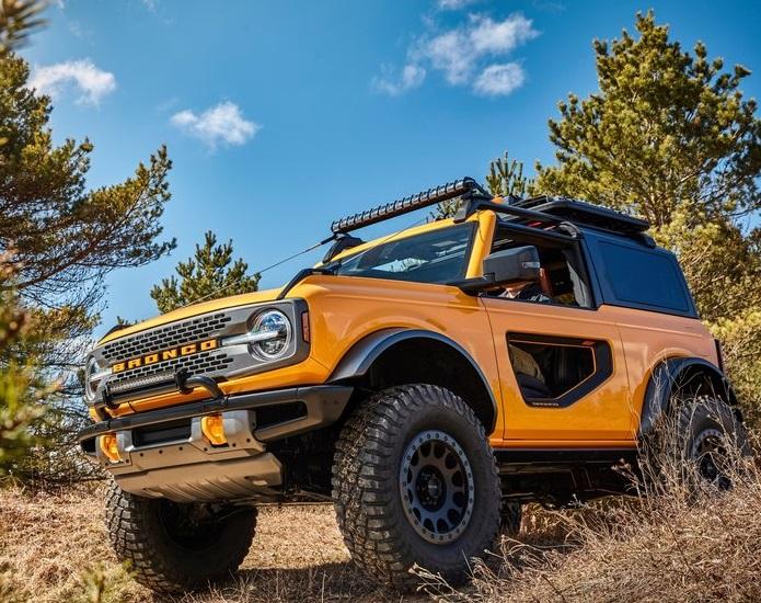 Ford-Bronco_2-door-2021-800-05