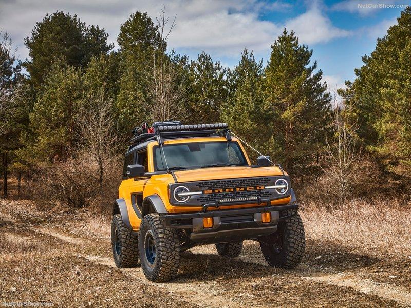 Ford-Bronco_2-door-2021-800-09