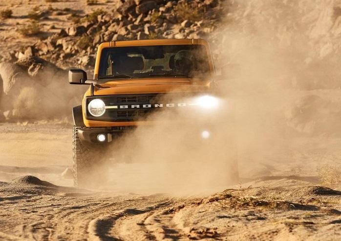Ford-Bronco_2-door-2021-800-0c