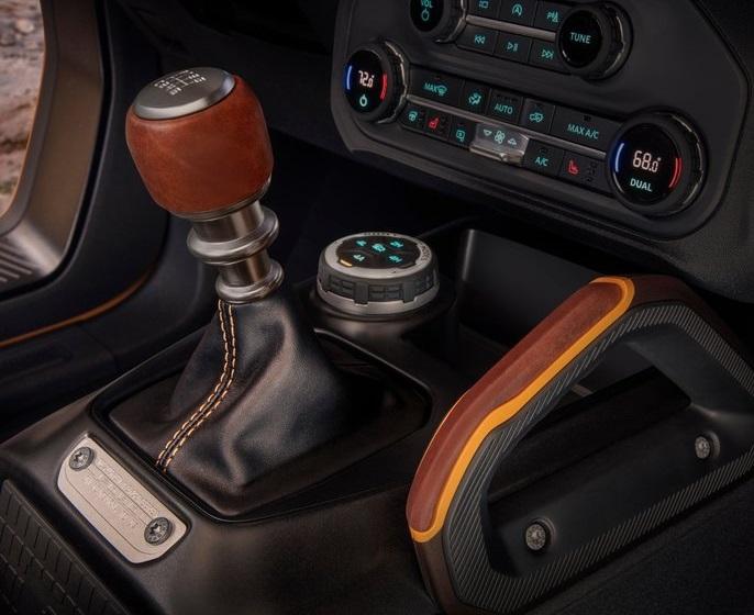 Ford-Bronco_2-door-2021-800-15