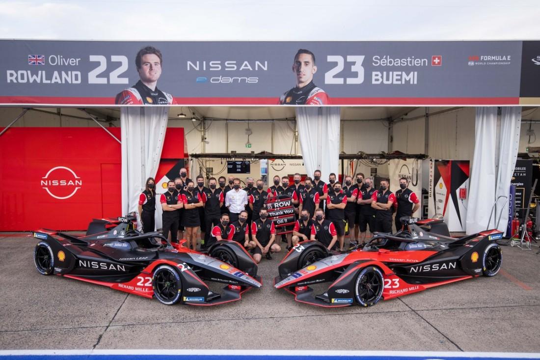 Nissan e.dams season seven team photo